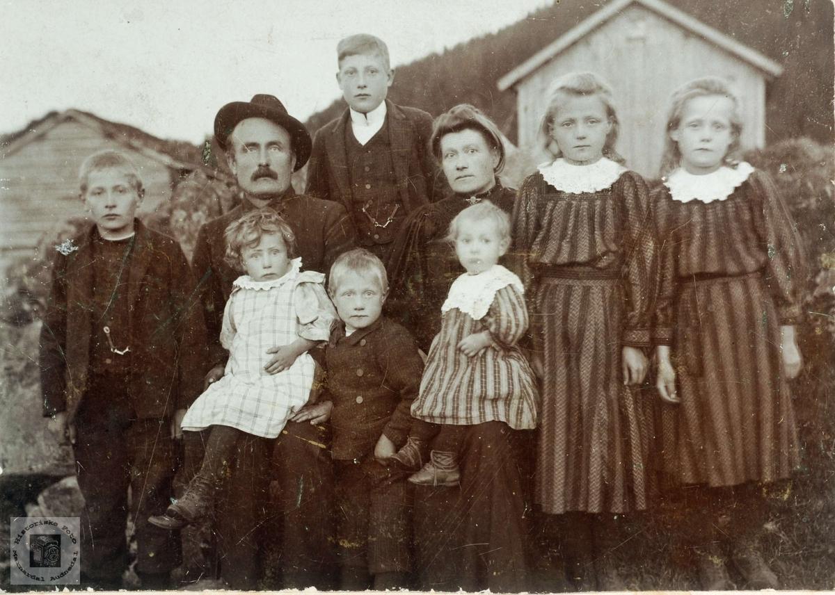 Familiebilde fra Midgarden, Seland i Grindheim.