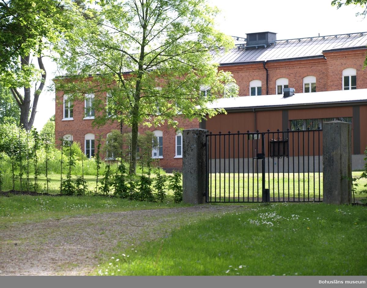 Vid mentalsjukhusen Restad och Källshagen i Vänersborg var många av resandesläkt inlagda. Oftast med tvång.  Ved mentalsykehusene Restad og Källshagen i Vänersborg var mange av reisendeslekt innlagt – oftest med tvang.