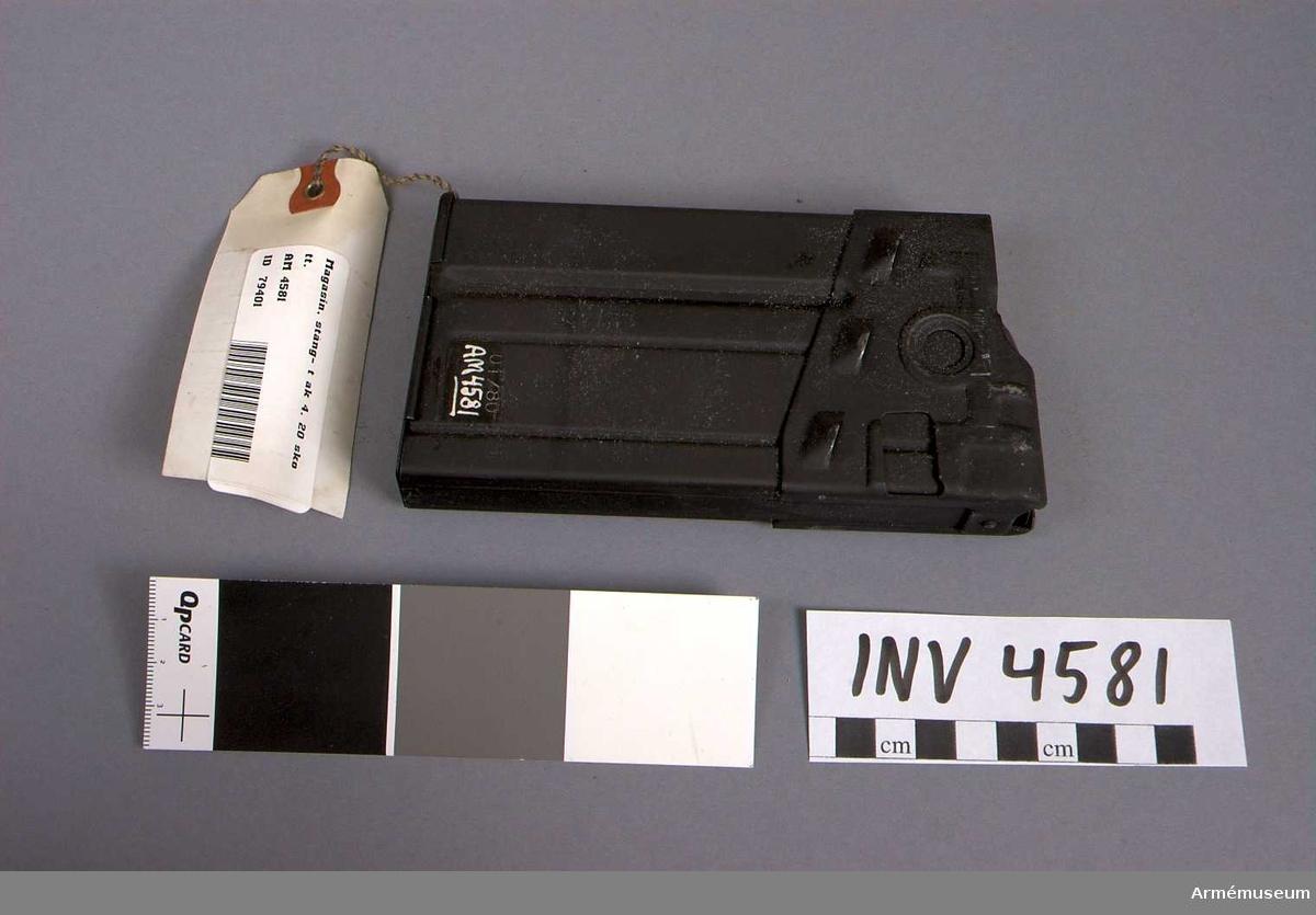 Tillv. i januari 1980. Krönt C 01/80.  Samhörande nr är 4579-4585.