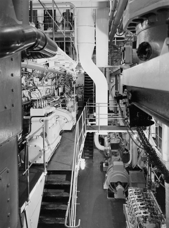 Maskinrummet på 127 M/T Bel Mare.