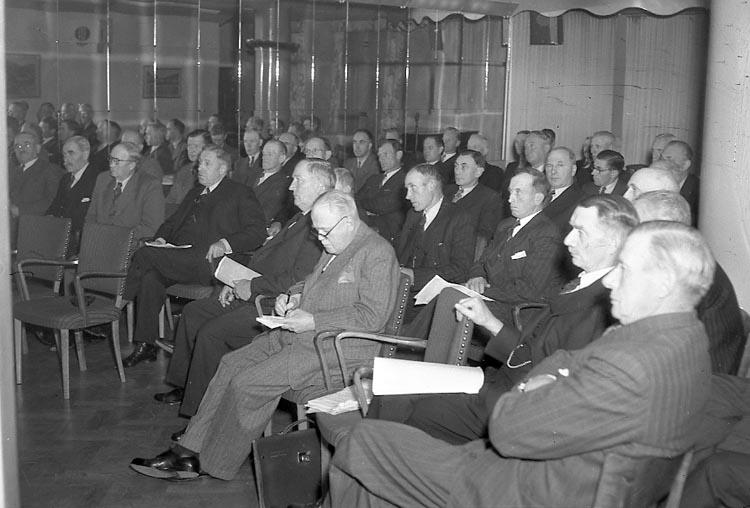 """Enligt notering: """"Hushållningssällskap Grand 25/10 1947""""."""