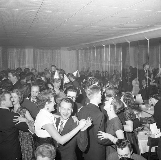 """Enligt notering: """"Nyårsfirande Grand Hotel 1/1 1955""""."""