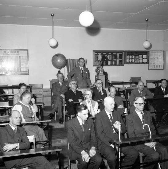 "Enligt notering: ""Invalider på filmkurs april -58""."