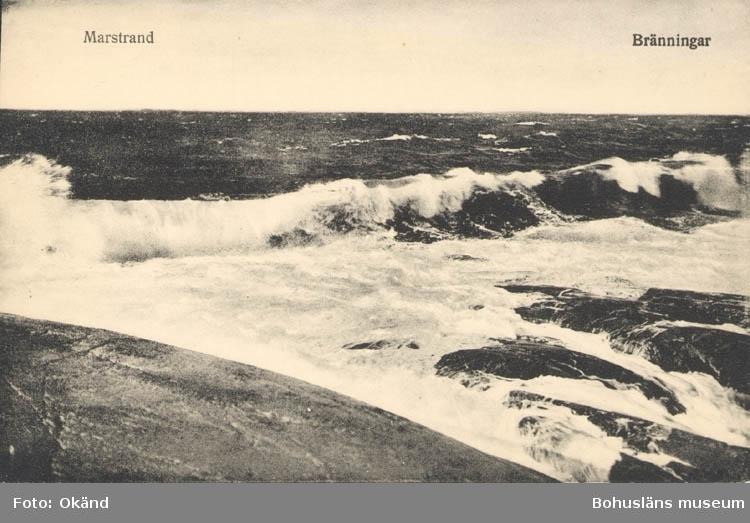 """Tryckt text på kortet: """"Marstrand. Bränningar."""" """"Förlag: Axel Hellman, Marstrand."""""""