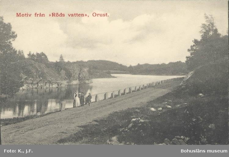 """Tryckt text på kortet: """"Motiv från """"Röds vatten"""" Orust.""""   ::"""