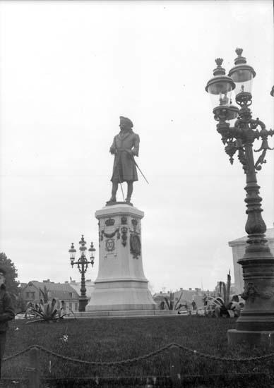 """Enligt text som medföljde bilden: """"Carlskrona Carl XI:s staty 23/9 1907."""""""