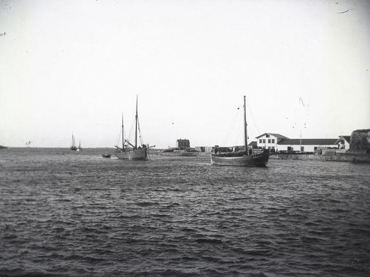 Fiskebåtar i norra inloppet till Marstrand