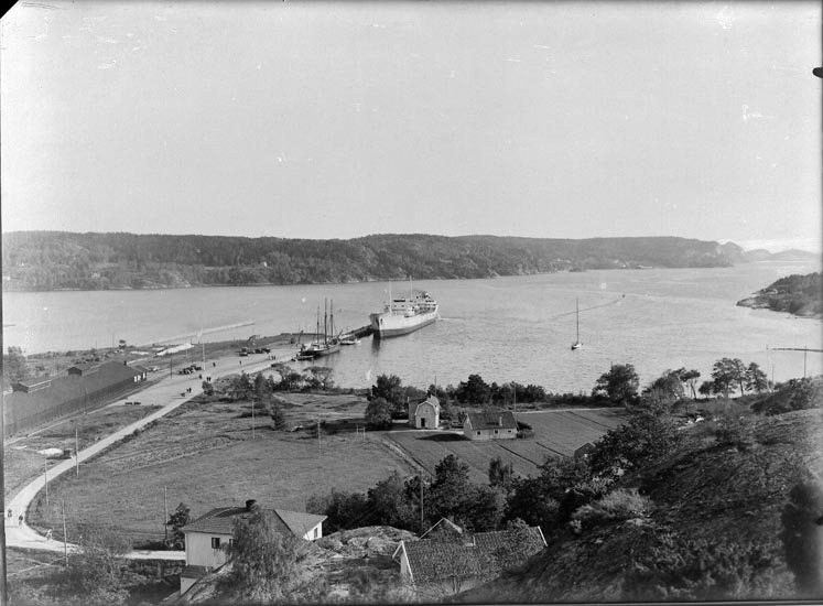 Tankfartyget JULIUS i Munkedals hamn 1949