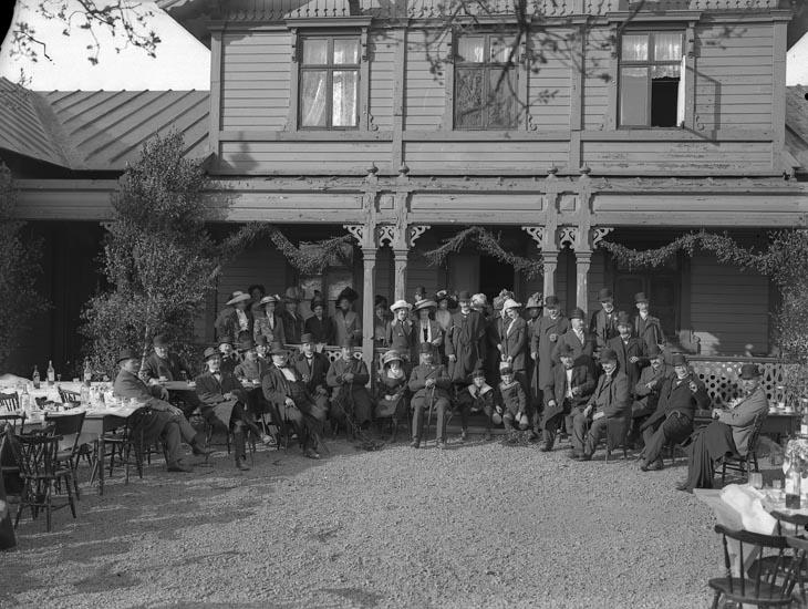 """Enligt fotografens noteringar: """"Pontus Vikners fästen i Föreläsningssalen 1912 ?"""""""