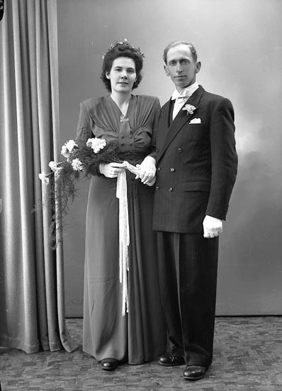"Enligt fotografens journal 7 1944-1950: ""Andersson, Herr Albert, St. Askerön""."