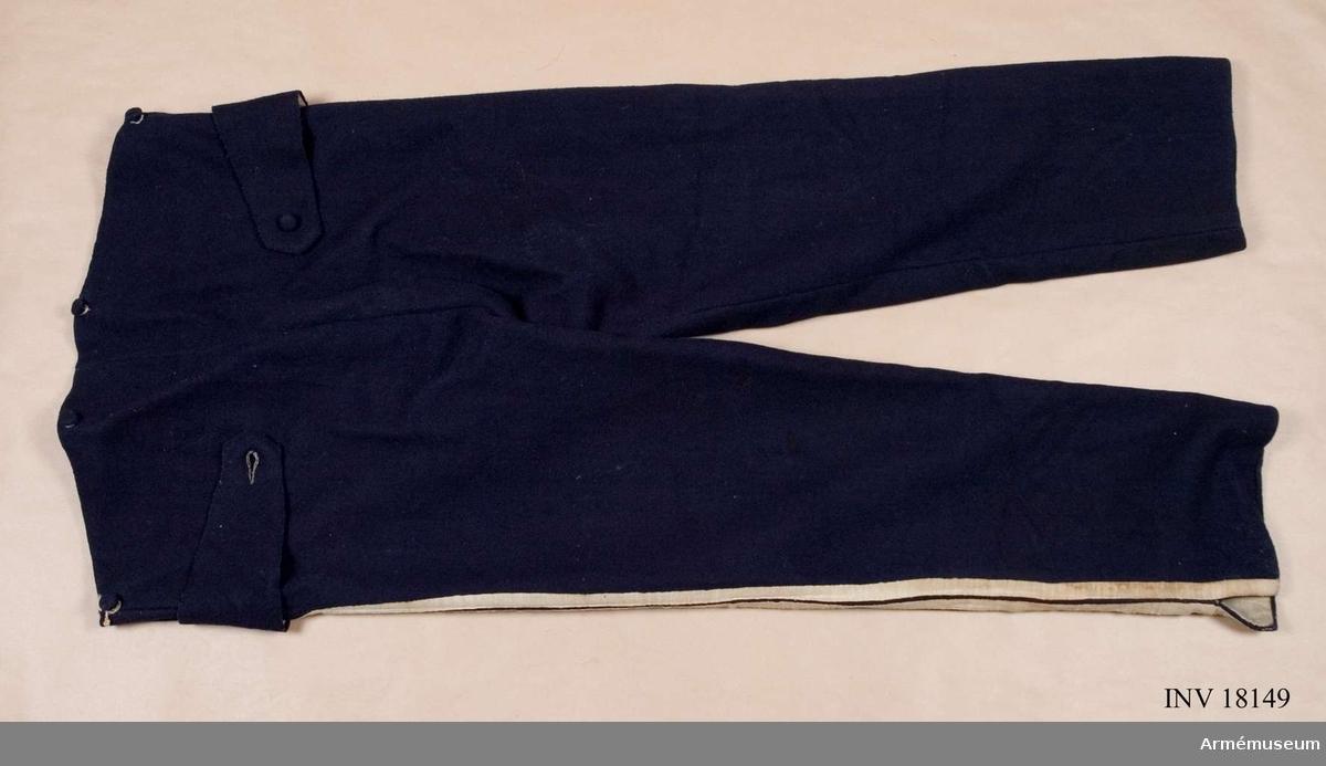 Grupp C I. Ur uniform för manskap, Andra livgardet 1833-45. GO 1815-07-26.