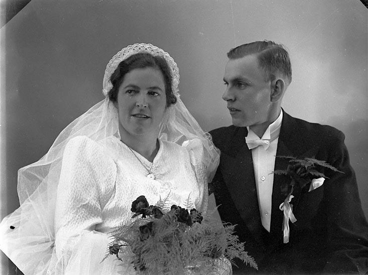 """Enligt fotografens journal nr 6 1930-1943: """"Jacobsson, Sven Solåker Kungälv""""."""