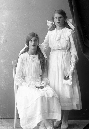 """Enligt fotografens journal nr 4 1918-1922: """"Olsson, Hedvig Räfsal, Hjälteby""""."""