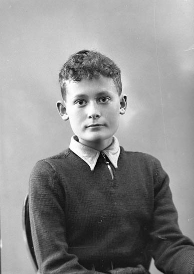 "Enligt fotografens journal nr 6 1930-1943: ""Meyer"". Enligt fotografens notering: ""Hans Meyer, Solgårdens Turist Hotell""."