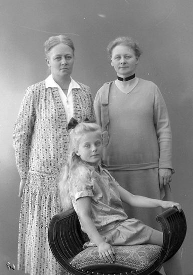 """Enligt fotografens journal nr 5 1923-1929: """"Rode, Inger Skien Norge""""."""