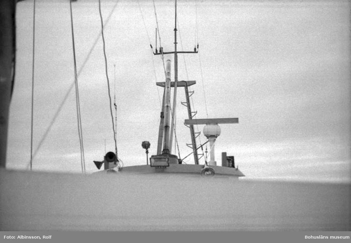 """Enligt fotografens noteringar: """"Från fören mot överdelen på hytten akterut."""" Fototid: 1996-03-06."""