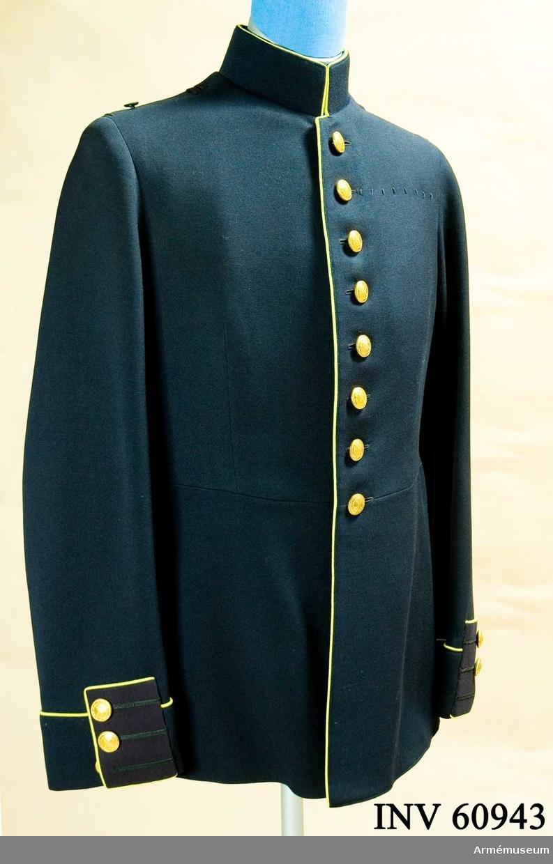 Samhörande nummer är AM.060943-9, uniformspersedlar.  Grupp C I.