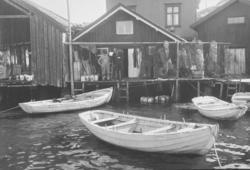 """Skrivet på baksidan: """"4.""""  Bildserien från ett holländskt"""