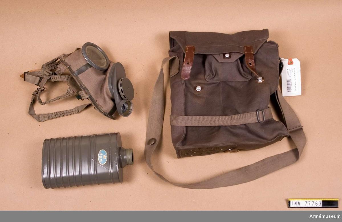 Grupp J. Med väska, ask för imskivor R, ask för ventilhus R.