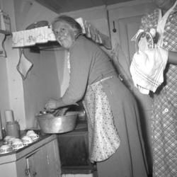 """Text till bilden: """"Nilssons 82 års fest. 1953.10.25"""""""