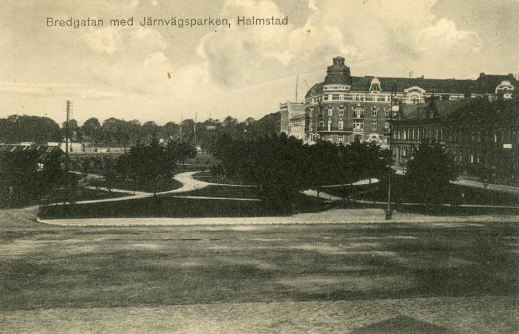 Notering på kortet: Bredgatan med Järnvägsparken. Halmstad.