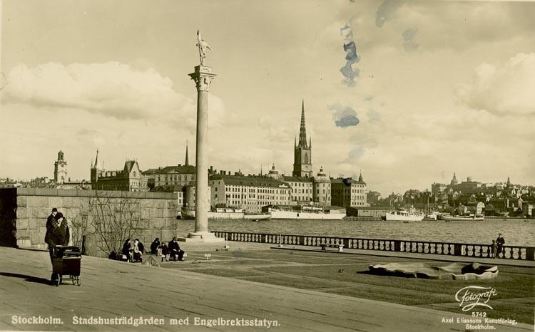 Notering på kortet: Stockholm. Stadshusträdgården med Engelbrektsstatyn.