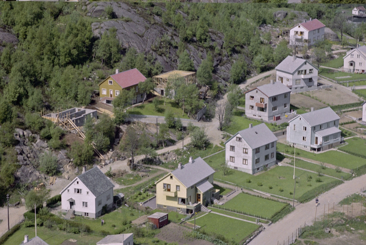 Prestegårdsveien, Husabø
