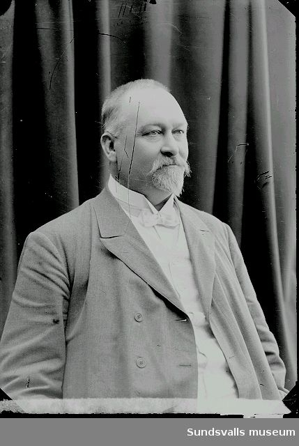 Carl Wilhelm Kihlbaum (f. 1857 d 1907). Grosshandlare och konsul i Sundsvall. Bror till Maria Kihlbaum.