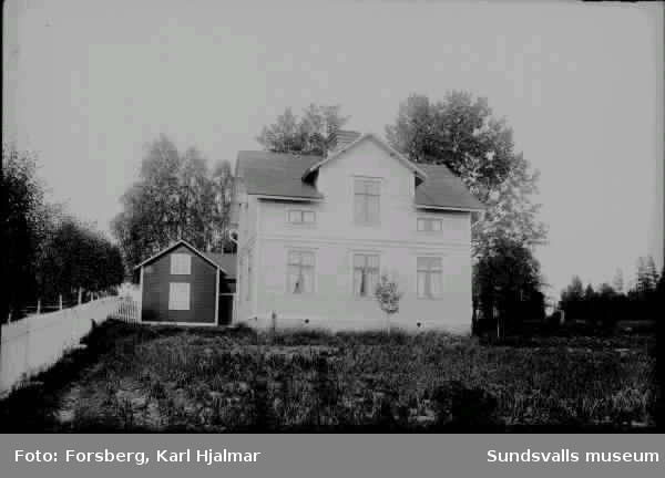 J. A. Lundbergs gård.