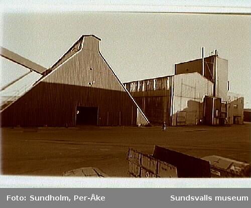 Dokumentation av aluminiumsmältverket GA metall AB, Sundsvall.Samtidig dokumentation med Tekniska museet, Stockholm.