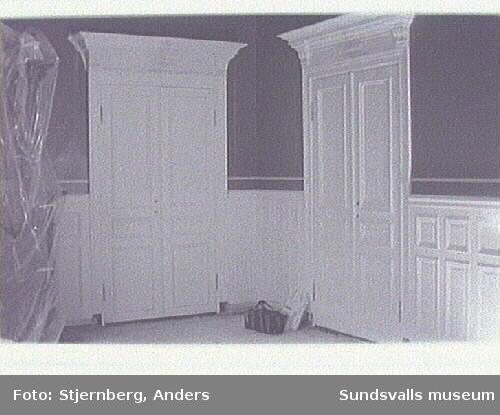 Nytillverkat dörrparti i ek av Daniel Malmberg.