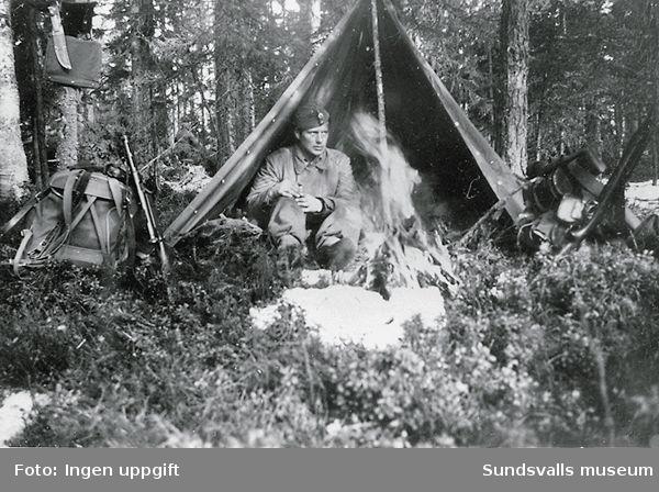 """""""Baggböle skyttefelt om vinteren 1945."""" (Bildtext i fotoalbum. Ägare Emil Tessem, Steinkjer.)"""