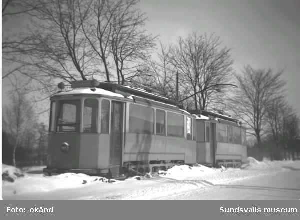 Ortviksvagnarna står uppställda sedan linjen nedlagts.