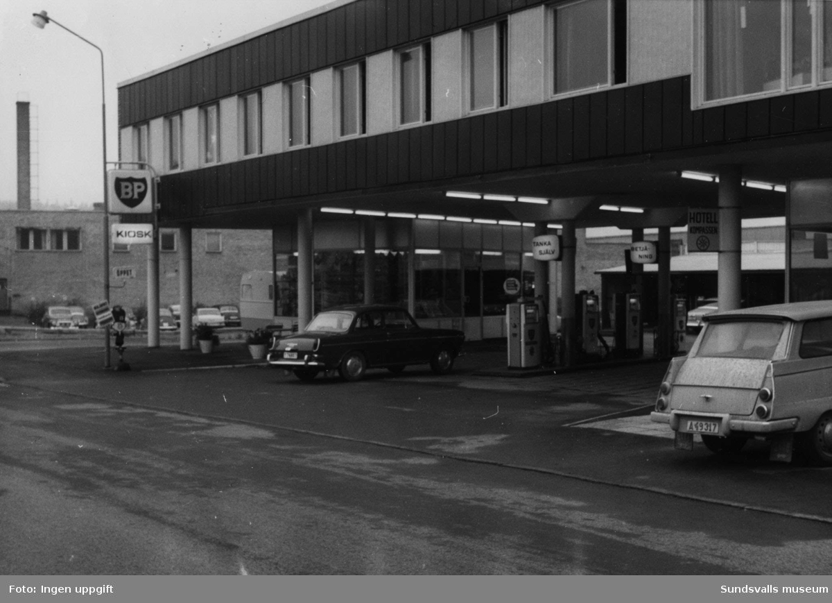 BP-stationen Örnsköldsvik, Strandgatan. Köpman: Gustav Johansson.
