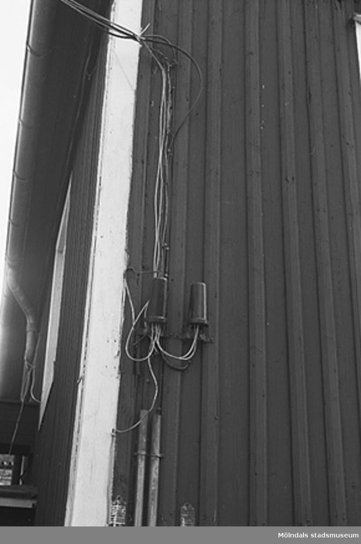 Byggnadsdetaljer: Fasad och stuprör.