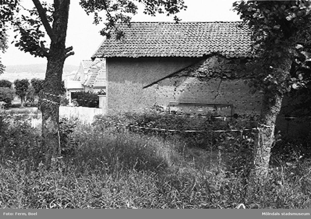En bränneribyggnad.Lunnagården i Balltorp 1992-06-30.