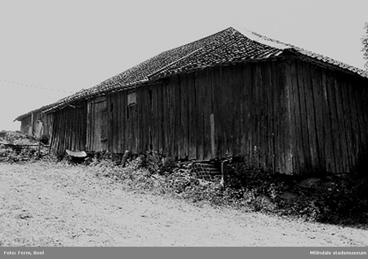 Ekonomibyggnad.Högen 2:1/2:2 i Kållered, 1992-06-30.