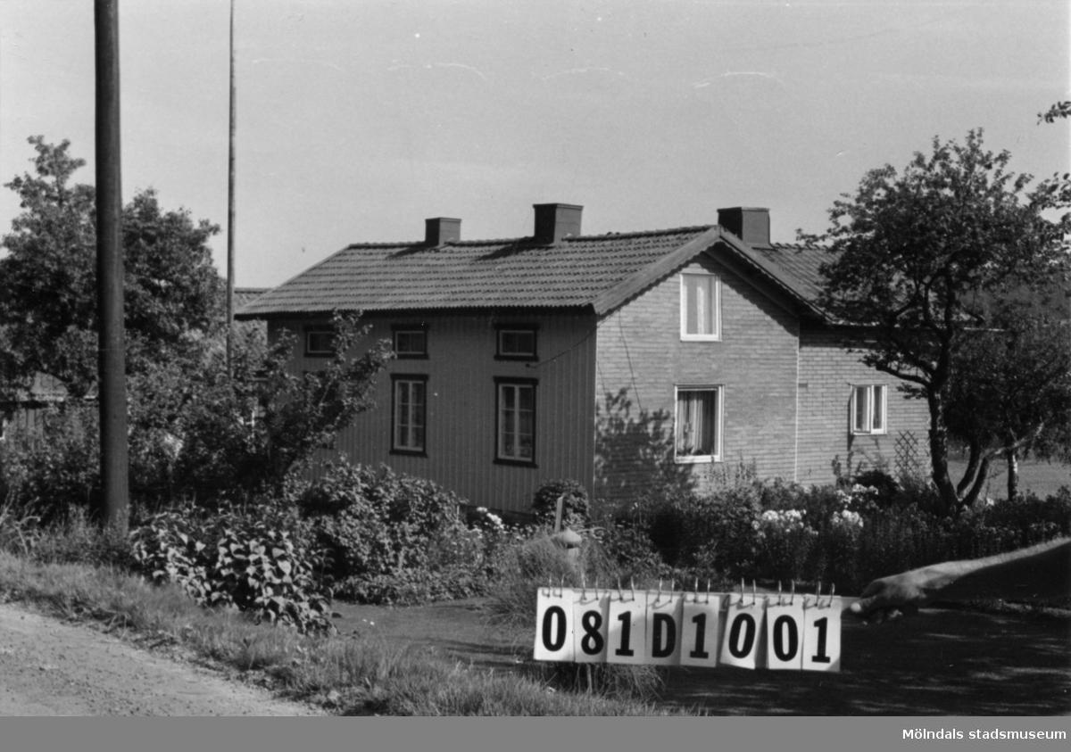 Byggnadsinventering i Lindome 1968. Knipered 4:9. Hus nr: 081D1001. Benämning: permanent bostad, ladugård, redskapsbod och växthus. Kvalitet, bostadshus och ladugård: god. Kvalitet, redskapsbod: mindre god. Material: trä och rött tegel. Tillfartsväg: framkomlig. Renhållning: soptömning.