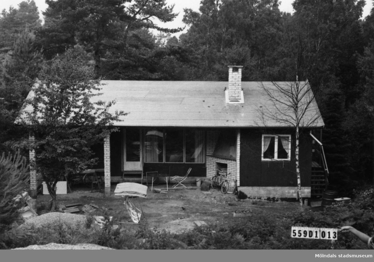 Byggnadsinventering i Lindome 1968. Ingemantorp 2:21. Hus nr: 559D1013. Benämning: fritidshus. Kvalitet: mycket god. Övrigt: byggnadsplats. Tillfartsväg: framkomlig.