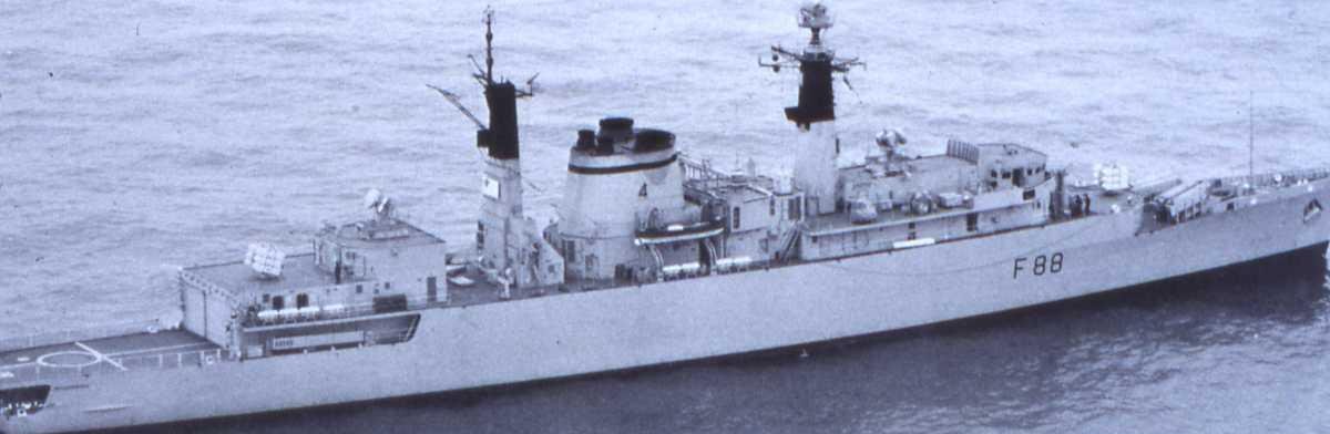 Engelsk fartøy av Broadsword - klassen med nr. F-88 og heter Broadsword.