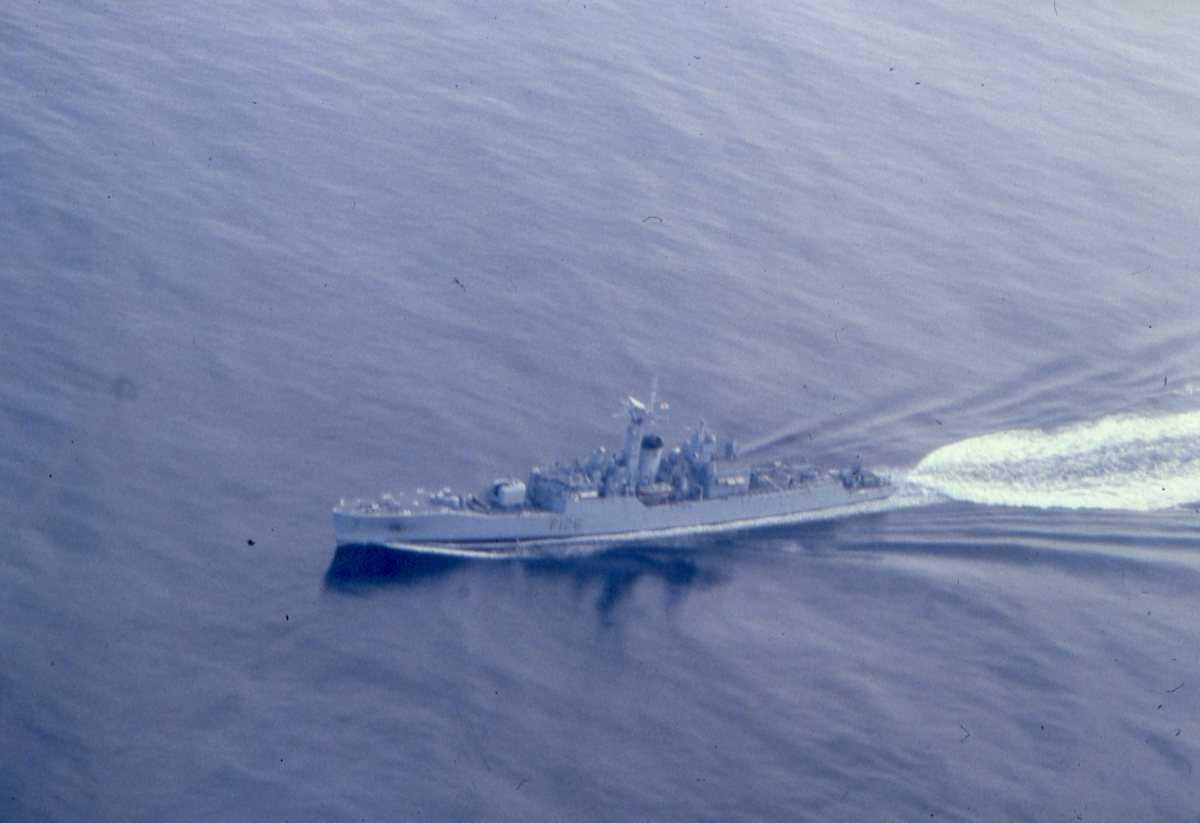 Engelsk fartøy av Rothesay - klassen med nr. F 126 og heter Plymouth.