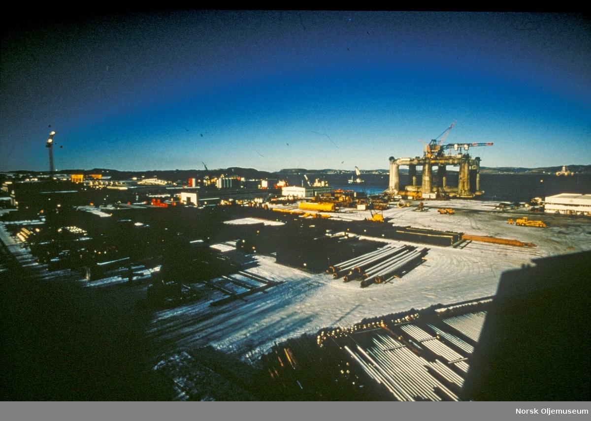 Dusavikbasen rundt 1976