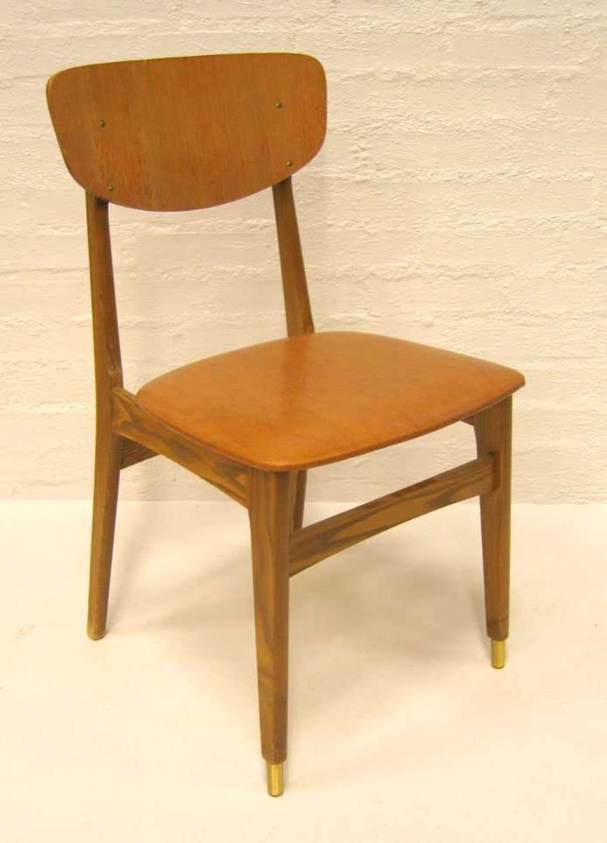 Form: Ovalforma ryggplate  -   skinnimitasjons trekk på sete