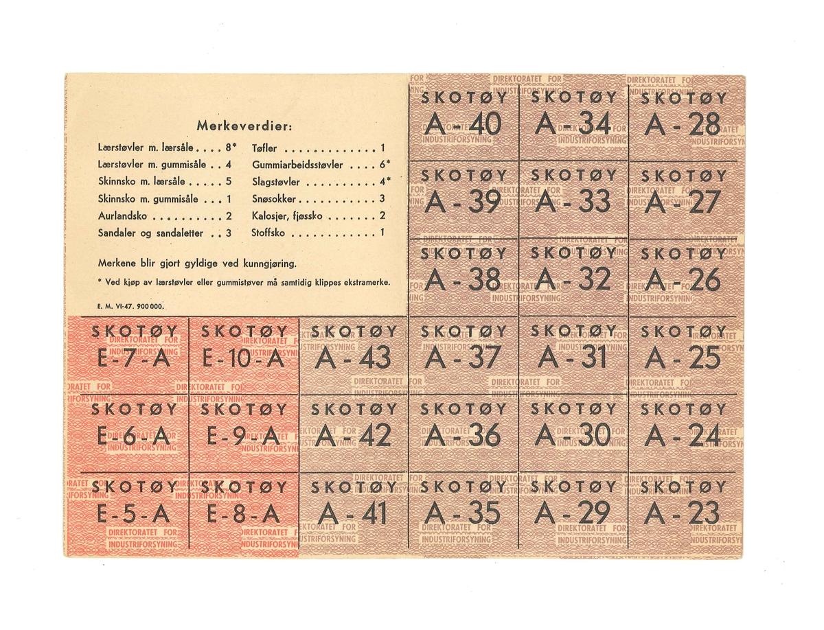 Rasjoneringskort for skotøy for voksne (for forbrukere i visse yrker). På kortet er det ført opp namn på eigar og adresse. Kortet er også stempla av forsyningsnemnda i Gloppen.