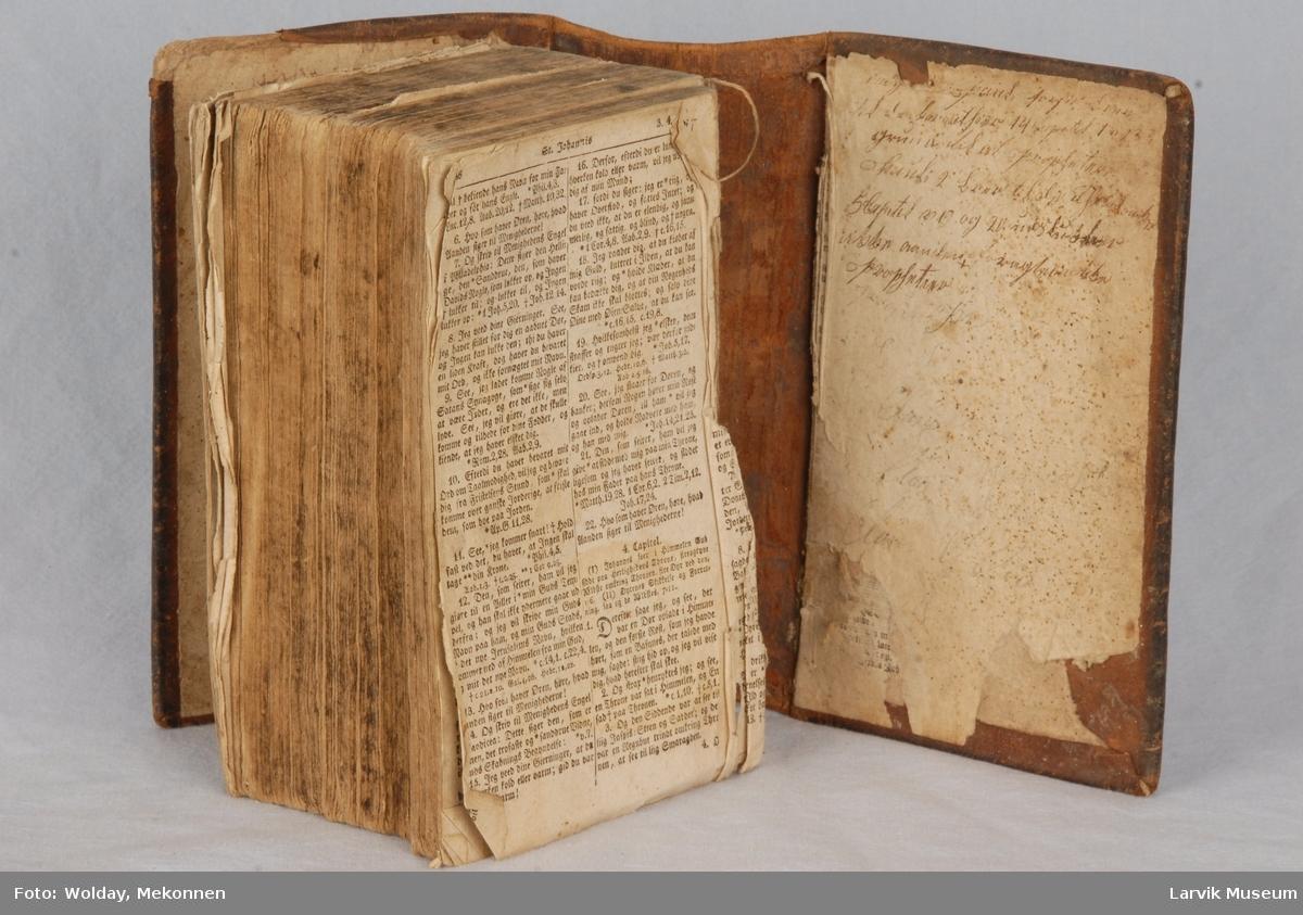 Form: Frederik den 6tes bibel 8/12-1952
