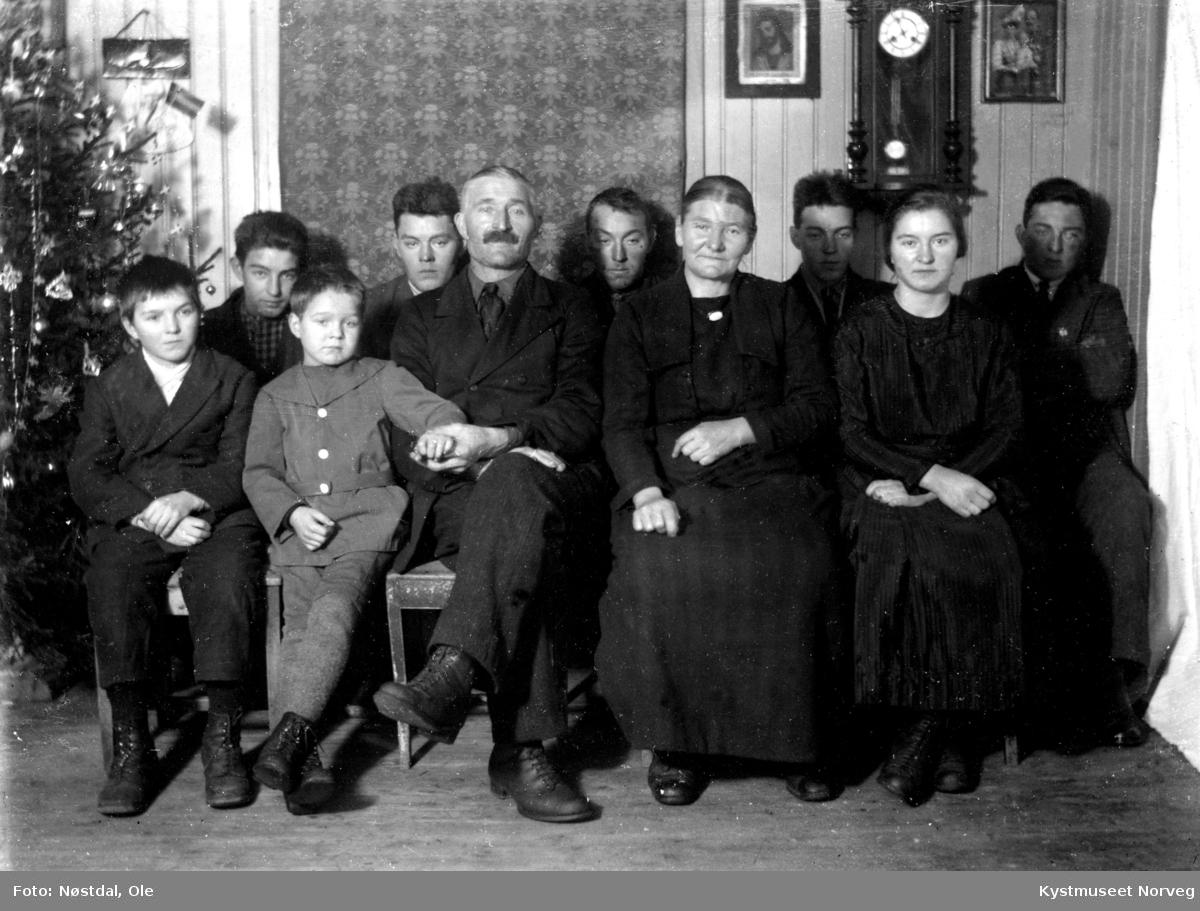 Kornelius og Marta Brandtzæg med familie