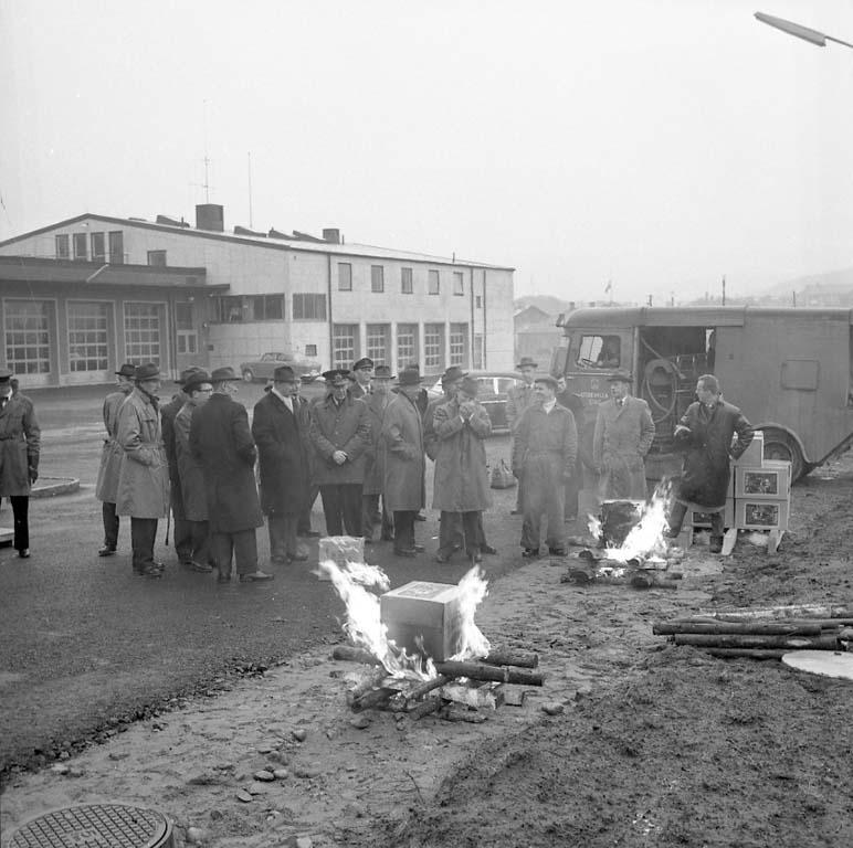 """Enligt notering: """"Eldsläckning Tändstickor Dec 1960""""."""