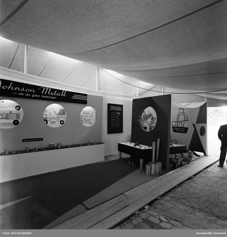 Johnson Metall har en monter på Sundsvallsmässan 1954.