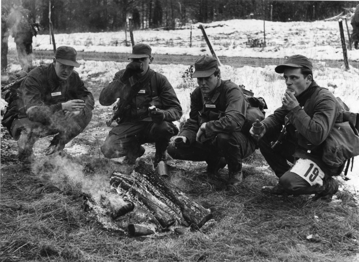 Utspisning av varm dryck. Gruppfälttävlan, A 6.