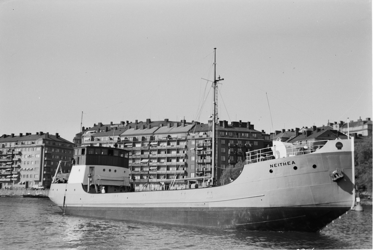 Ägare:/1944-58/: Rederi AB Shell. Hemort: Stockholm.